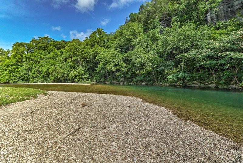 Loop naar de kreek om te zwemmen en te zonnebaden.