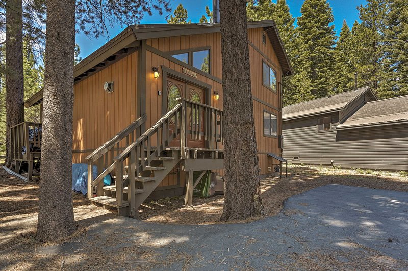 Book your Truckee getaway today!