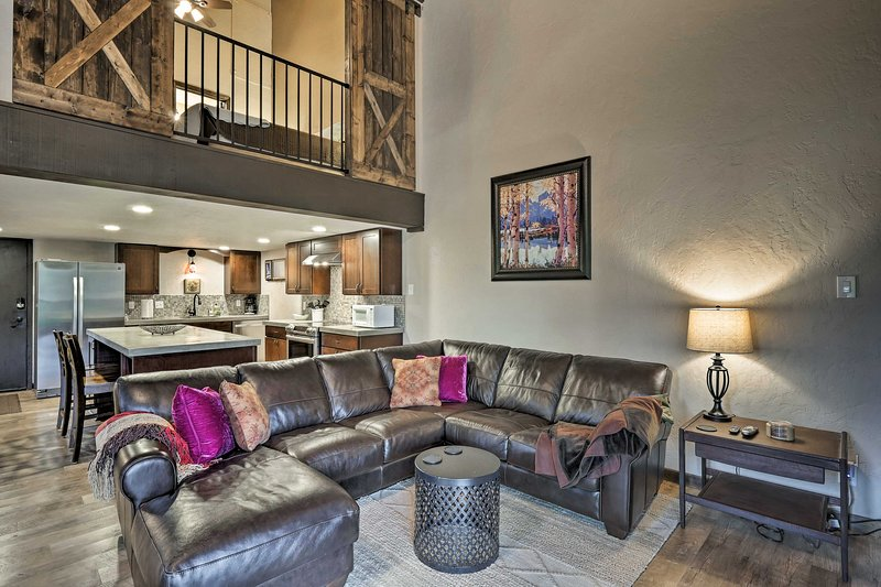 Escape to this 3-bed, 2.5-bath vacation rental condo in Steamboat Springs!