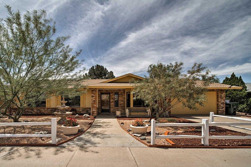 Nunca querrás dejar esta morada del norte de Phoenix, de estilo rústico y encantador.