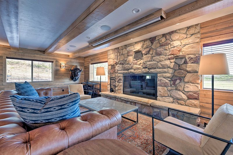 This vacation rental home is a restored pioneer cabin with space for 14 guests.