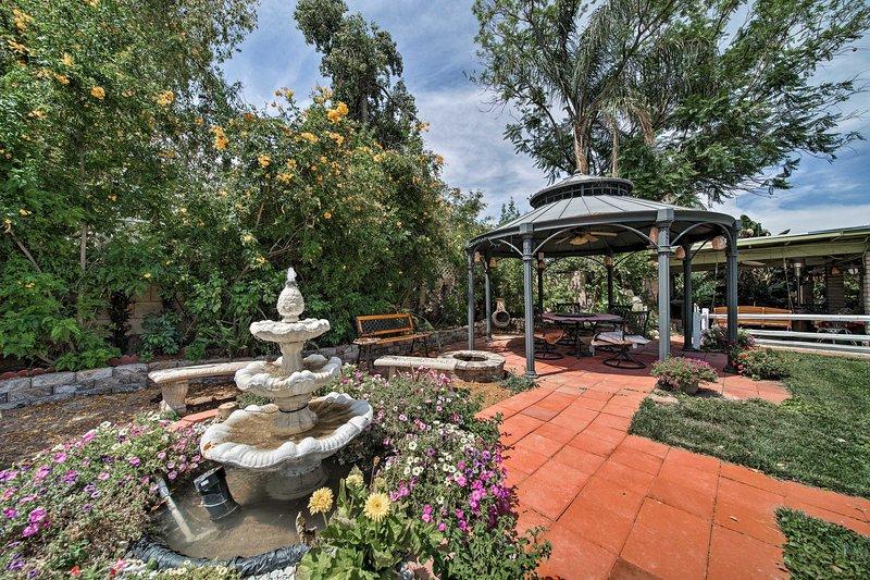 Reserve su escapada al norte de Phoenix a este lujoso apartamento de 3 dormitorios y 2 baños.