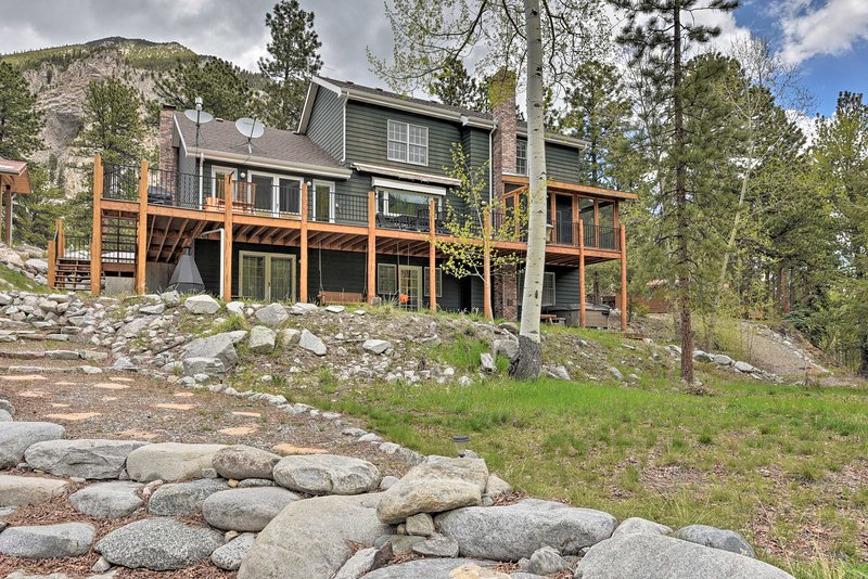 Casa Immaculata' on Chalk Creek w/ Views!, casa vacanza a Nathrop