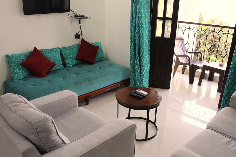 Holiday Haven in prime Candolim for upto 4, holiday rental in Sinquerim