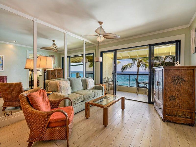 Tropical Suite w/Modern Bath+Kitchen, Lanai, Washer/Dryer, WiFi–Poipu Shores, holiday rental in Poipu