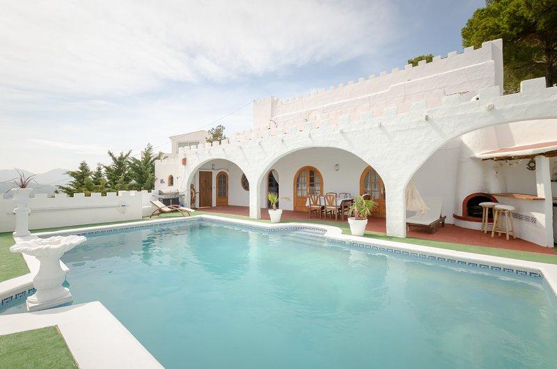 Ibiza Castle Amazing Sea Views HUGE SPACE 1,200m2, location de vacances à Roca Llisa