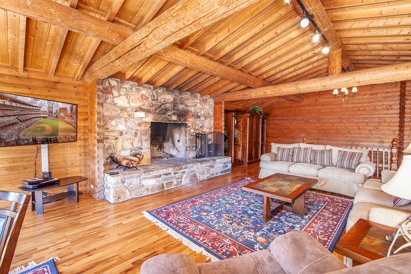 Big Sky Lodge Main Level Living Area