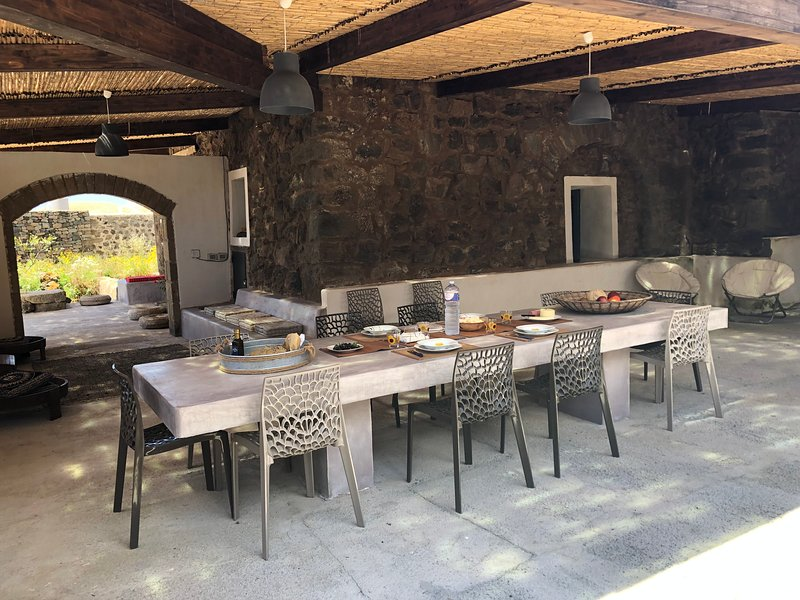 dammuso Rekhale, casa vacanza a Pantelleria