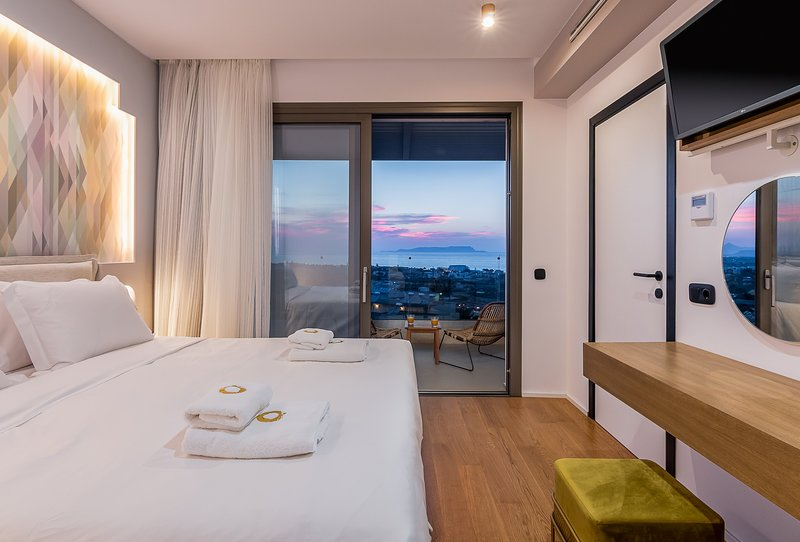 Happiness  - 2 Bedroom Sea View Villa with Jacuzzi | Onira Suite Dreams Crete, holiday rental in Anissaras