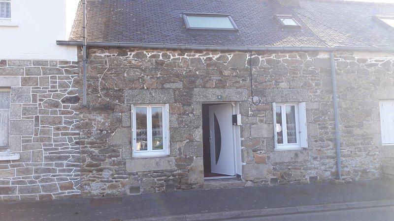 Beautiful house with garden & Wifi, casa vacanza a Pont-Melvez