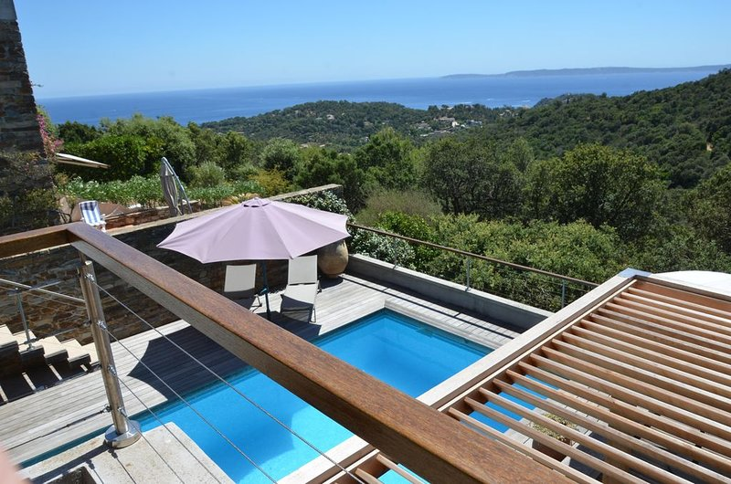 Amazing villa with swimming-pool, vacation rental in Cap Benat