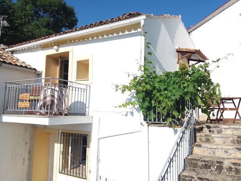 Elm Tree House, location de vacances à Spartilas