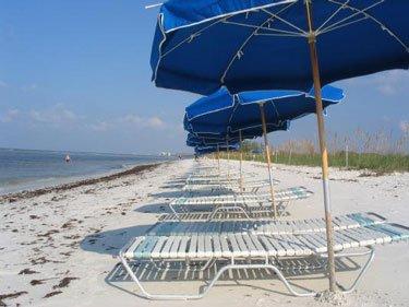 Une navette nautique assure le transport de Coconut Point au parc de la plage sept jours sur sept.