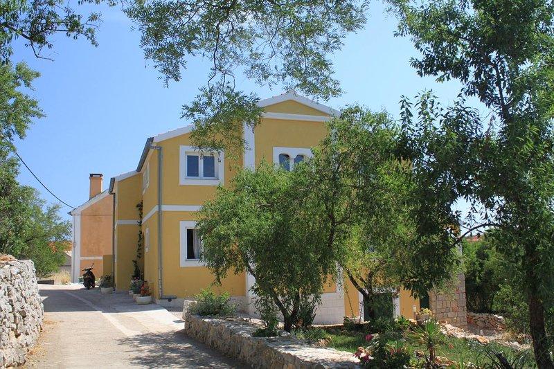 Two bedroom apartment Sali, Dugi otok (A-8083-a), holiday rental in Zaglav
