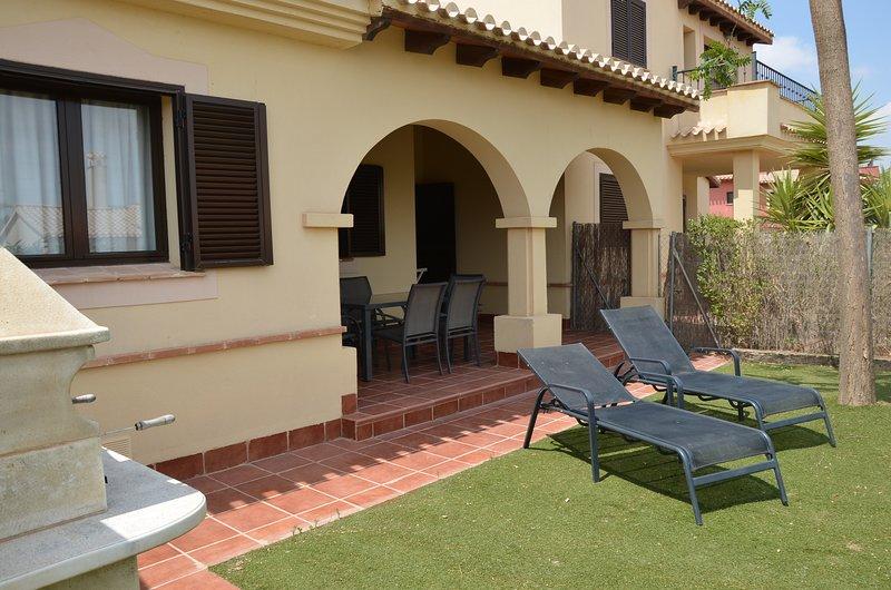 Casa de 2 dormitorios con piscina comunitaria, casa vacanza a Cuevas de Reyllo