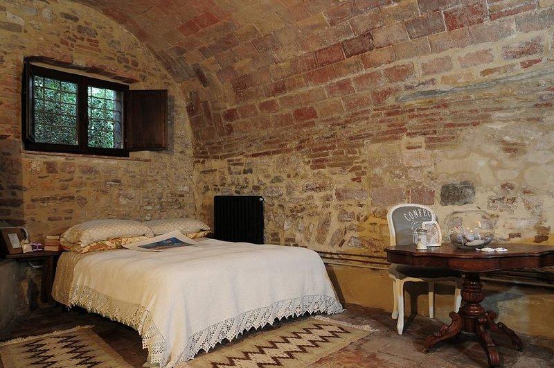 Spacious apartment in Gubbio, vacation rental in Ponte d'Assi