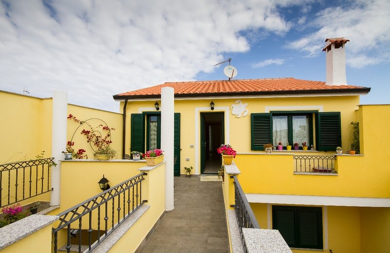 CASA VERONICA, holiday rental in San Giovanni Suergiu