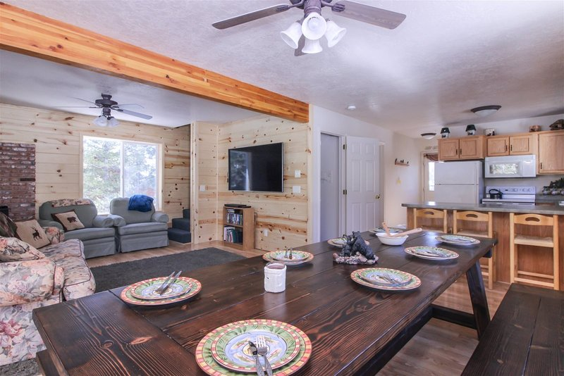 Christensen Retreat - Spacious family cabin, holiday rental in Duck Creek Village
