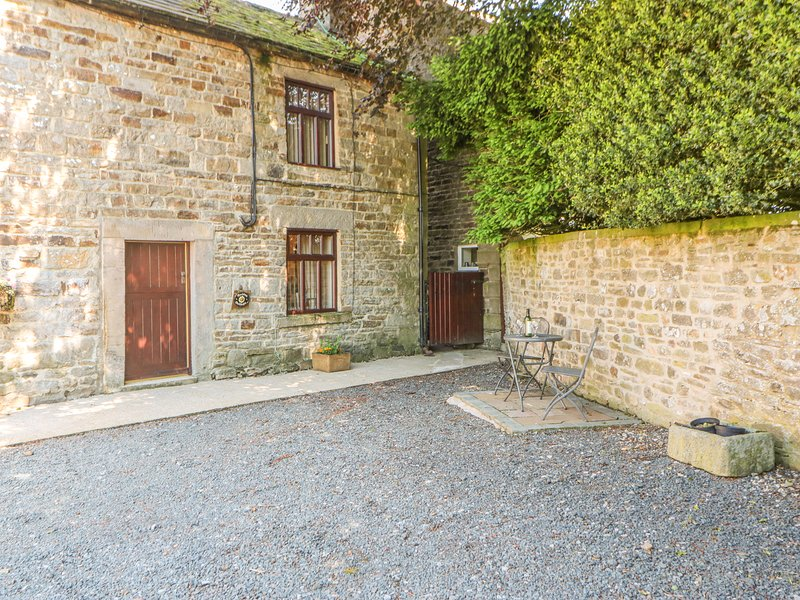 GARDEN COTTAGE, pet friendly, character holiday cottage, with a garden in, location de vacances à Mickleton