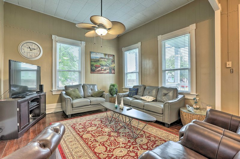 This cozy home offers 3 bedrooms and 1 bathroom.