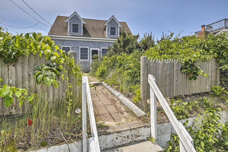 This cottage has the sweet Old Cape Cod charm you've been missing!