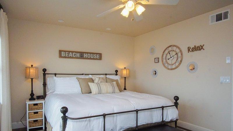 282 Harloe Ave.-Master Bedroom w/ Cal King - 282 Harloe Avenue Pismo Beach Vacat