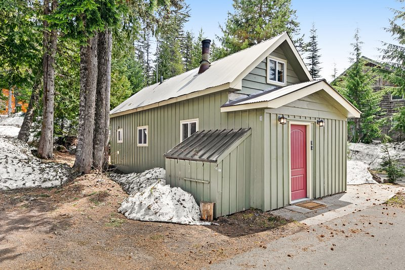 Cozy, comfortable cottage in Government Camp!, holiday rental in Timberline Lodge