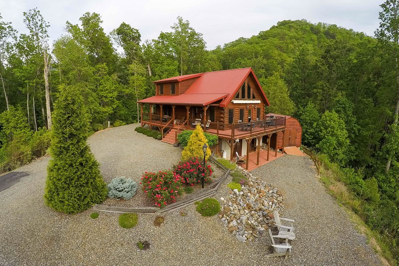 Secluded Log Cabin With Mountain Views Fireplace Wrap Around Porch Updated 2020 Tripadvisor Whittier Vacation Rental