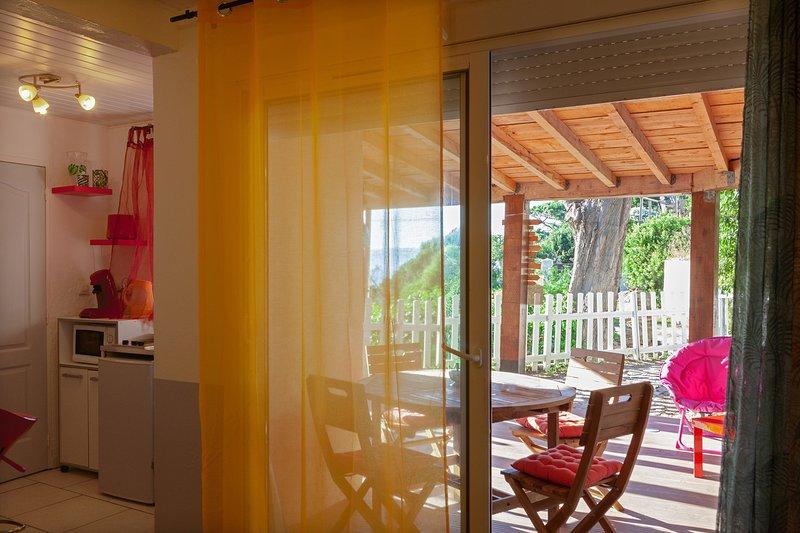 Le Cousteline - 'Maisonnette'  20m2  Sea view with  terrace, holiday rental in Ile du Levant