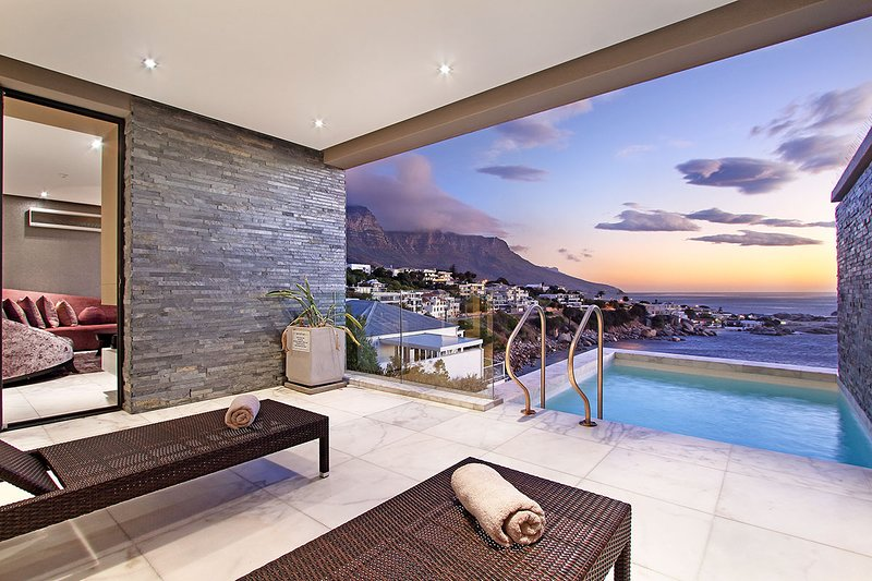 Bali Bliss - Modern luxury in beautiful Camps Bay, location de vacances à Camps Bay