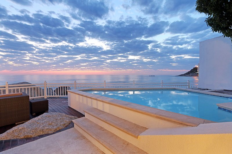 Ivory Sands - Bungalow on Clifton beach, location de vacances à Bantry Bay