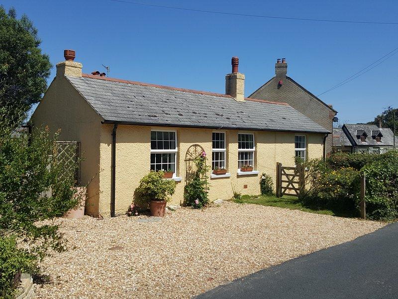 Cottage in Bembridge on the Isle of Wight with separate chalet, aluguéis de temporada em Bembridge