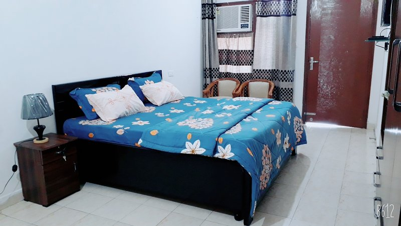 Fabulous large house in Best Location in Chandigarh, holiday rental in Manimajra
