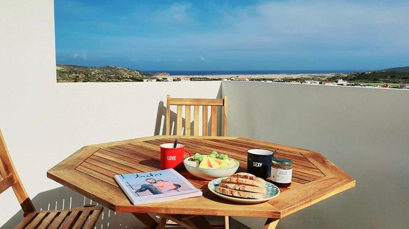 Casa Bombordo - Carrapateira Beach House - Algarve, Ferienwohnung in Carrapateira