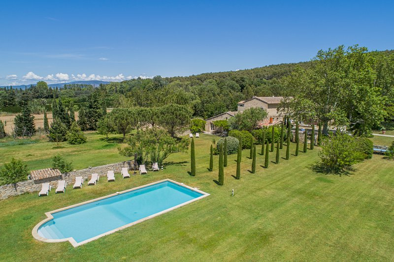 LS2-11: PEIRO, holiday rental in Taillades
