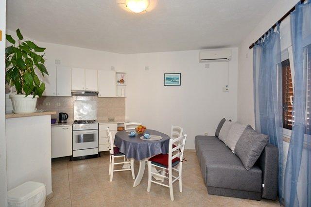 One bedroom apartment in Celina I, location de vacances à Celina