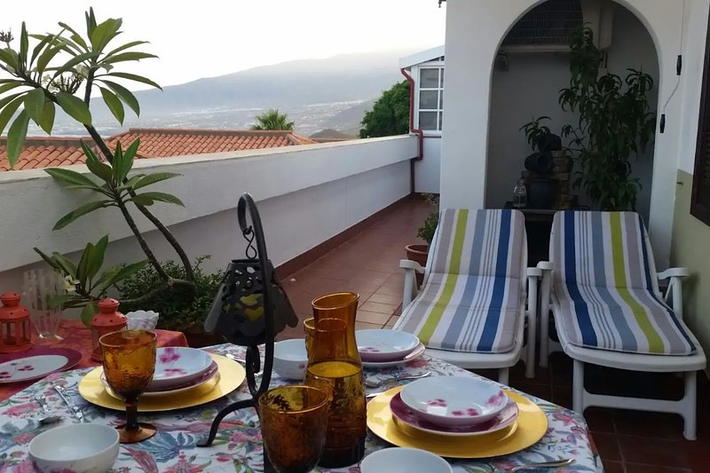 Spacious apt with sea view & Wifi, vacation rental in Tabaiba