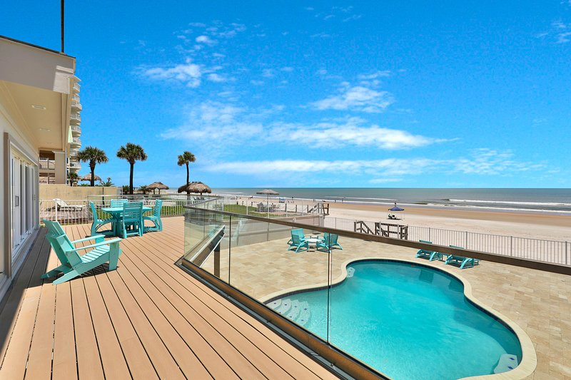 Newly-renovated beach home w/ private pool, deck, balcony, gorgeous ocean views, vacation rental in Ponce Inlet