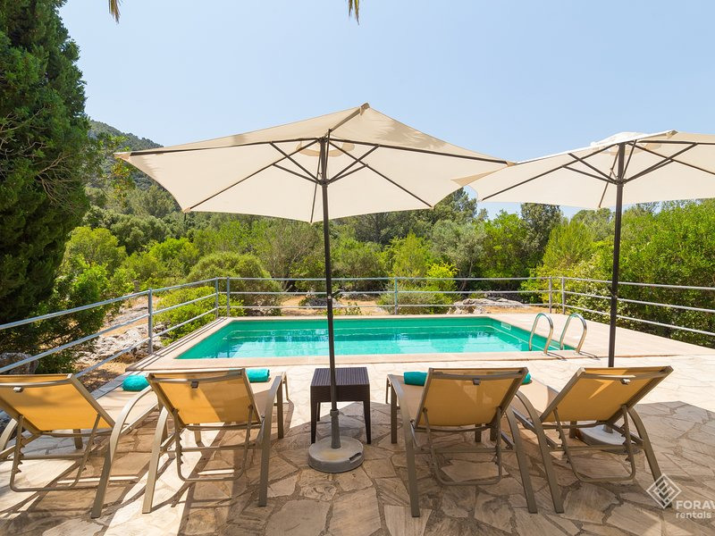 Fangar Vell - Beautiful finca with pool and garden in Campanet, vacation rental in Campanet