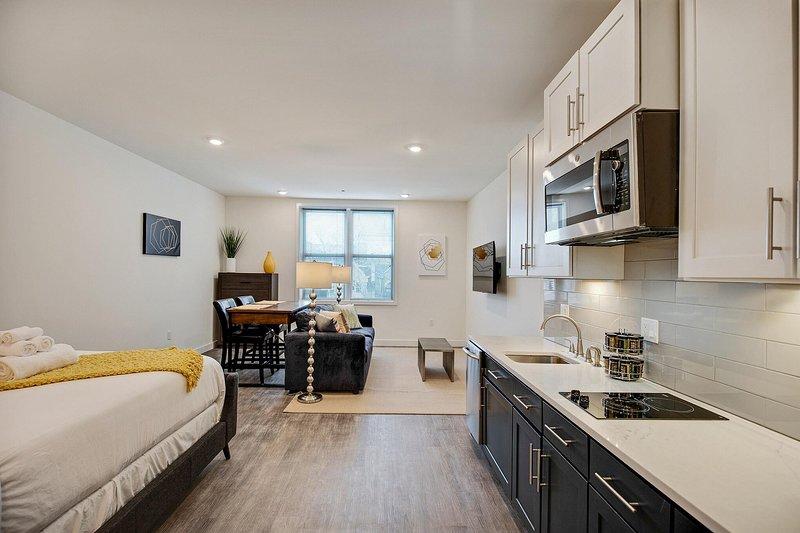 The Pine Suite - #309, location de vacances à Collingdale
