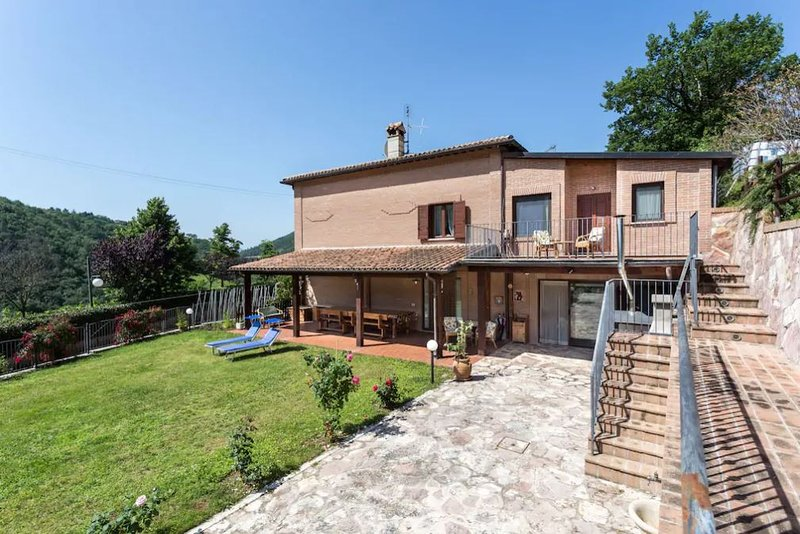 Amazing house in Casigliano, holiday rental in Acquasparta