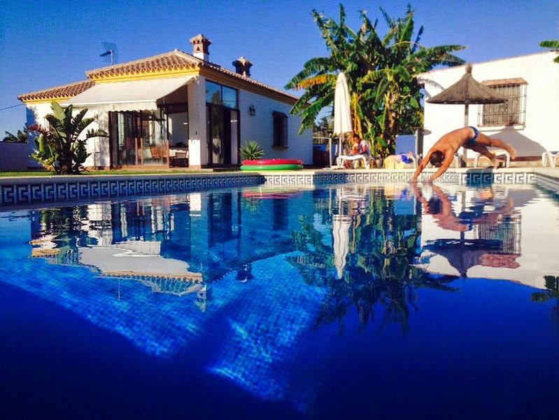 Amazing villa with swimming-pool, holiday rental in Barrio Nuevo