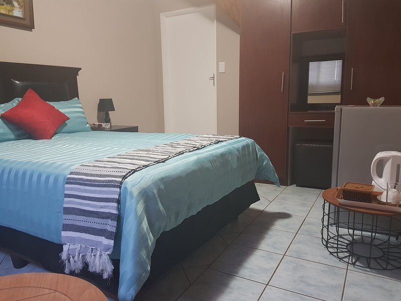 Weeping Willow Guest House(Double Room), vacation rental in Midrand