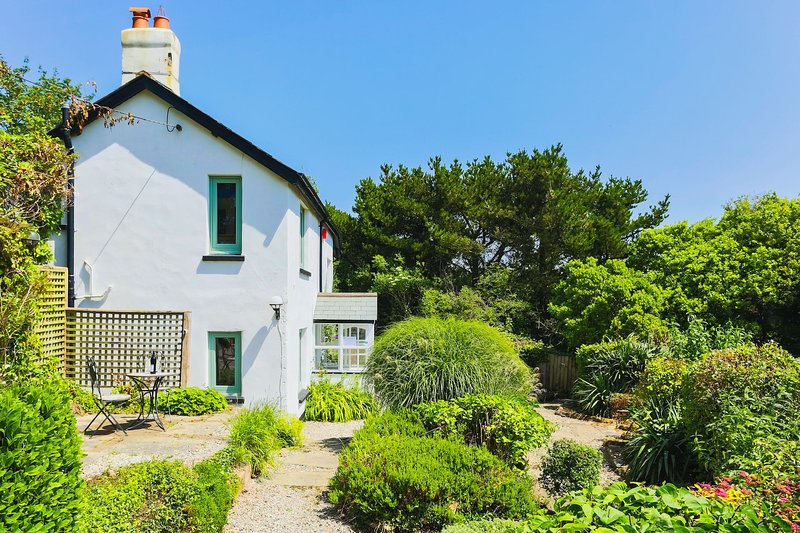 GEORGEHAM MAY COTTAGE | 4 Bedrooms, holiday rental in Braunton