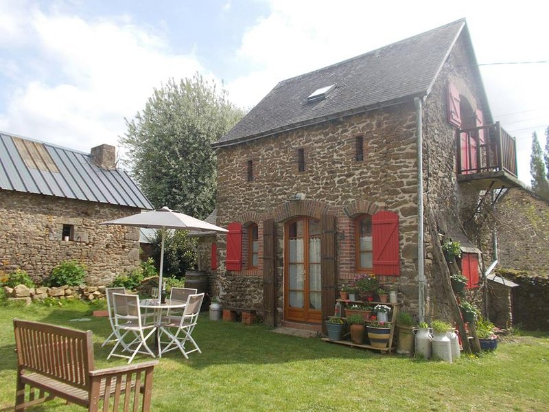 Romantic rural retreat for couples, vacation rental in Champgenéteux