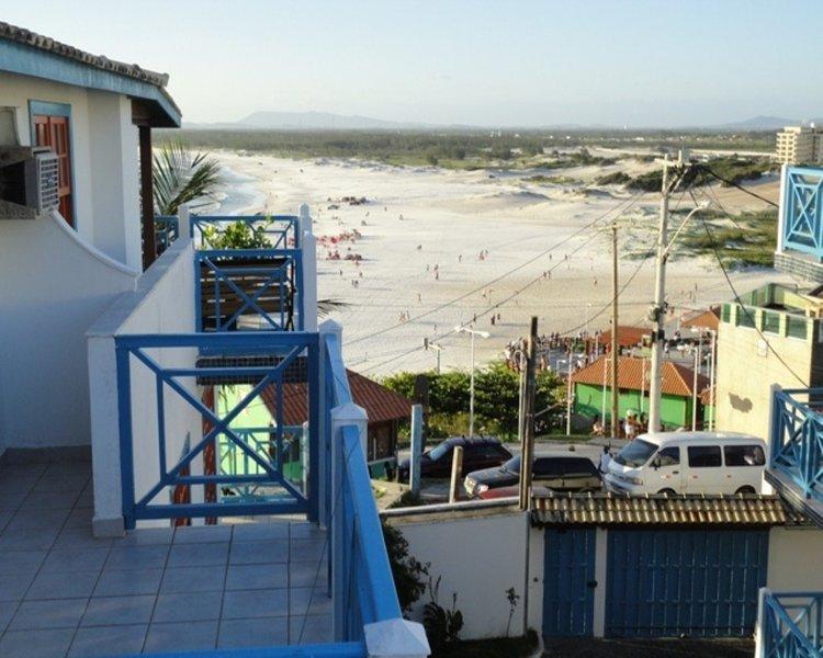 Casa em Condomínio a 50 m da Praia Grande, holiday rental in Arraial do Cabo