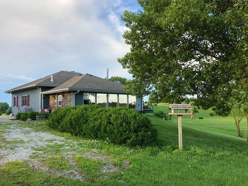 The Sundae Cottage, Sleeps 8, Beautiful views, alquiler vacacional en Marceline