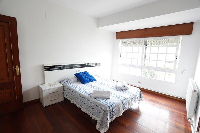 4 Bedroom Apartment in Monforte for a Short Let,, holiday rental in Sober