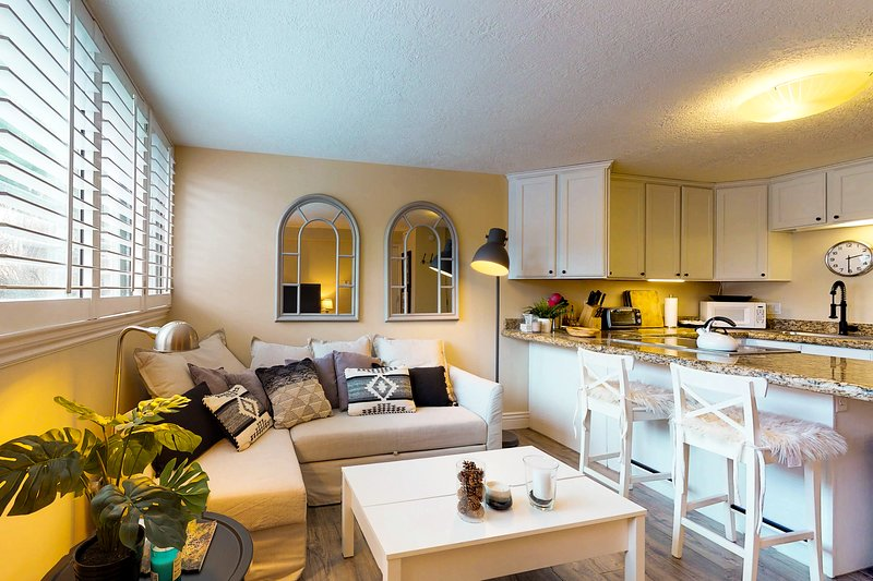 Cozy remodeled condo within walking distance to skiing, nightlife and dining Chalet in Park City