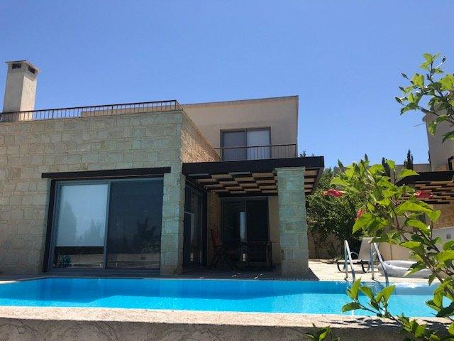 Villa Alexia, location de vacances à Dhrousha
